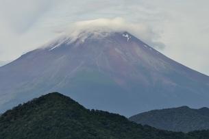 大室山からの富士山の写真素材 [FYI02983257]