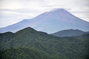 大室山からの富士山の写真素材 [FYI02983266]