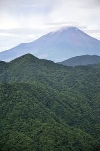 大室山からの富士山の写真素材 [FYI02983267]