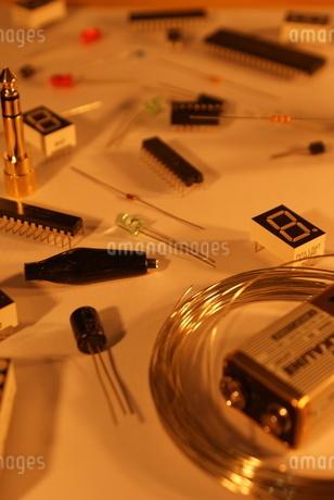 電子工作イメージの写真素材 [FYI02983412]
