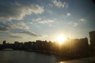 東武伊勢崎線から見える隅田川の写真素材 [FYI02983621]