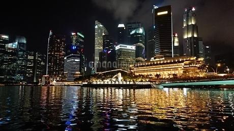 Night view in Singaporeの写真素材 [FYI02983680]