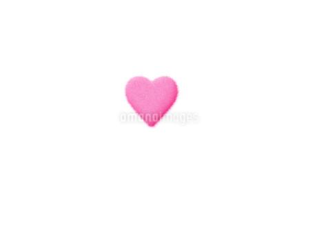 ふわふわハートピンクのイラスト素材 [FYI02983731]
