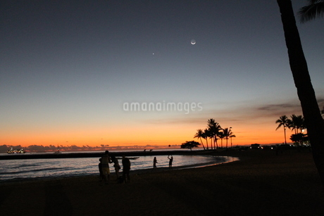 Silhouette Beachの写真素材 [FYI02983864]
