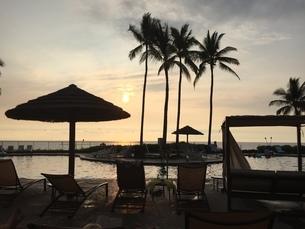 Sunset in Resort Islandの写真素材 [FYI02983910]