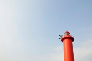 赤い灯台の写真素材 [FYI02984085]