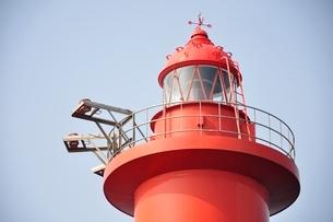 赤い灯台の写真素材 [FYI02984099]