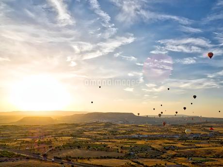 カッパドキア 気球パノラマ風景の写真素材 [FYI02984151]