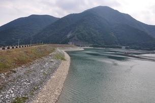 三保ダムの写真素材 [FYI02984558]