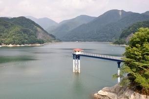 丹沢湖の写真素材 [FYI02984561]