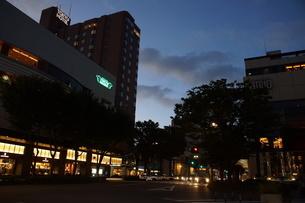 夜の金沢の町並み(香林坊)の写真素材 [FYI02984982]