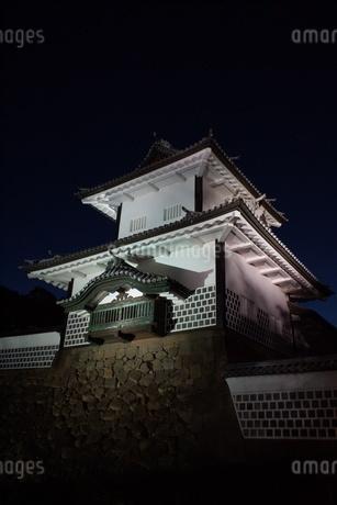 夜の金沢の町並み(金沢城址)の写真素材 [FYI02984987]