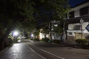 夜の金沢の町並みの写真素材 [FYI02984989]