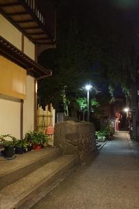 夜の金沢の町並みの写真素材 [FYI02985019]