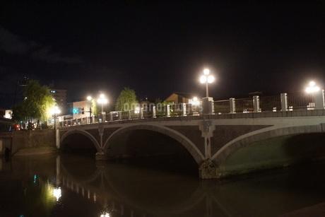夜の金沢の町並みの写真素材 [FYI02985024]