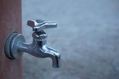 水道の蛇口の写真素材 [FYI02985070]