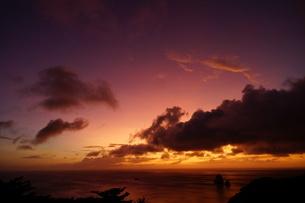 母島の夕焼けの写真素材 [FYI02985165]
