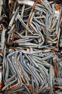 押し固められた鉄くずの写真素材 [FYI02985518]
