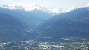 スイス バレー州 クランモンタナ 14 マッターホルンほか山脈の写真素材 [FYI02985758]