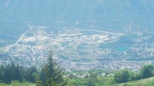 スイス バレー州 クランモンタナ 17 基点の町シエーレの写真素材 [FYI02985761]