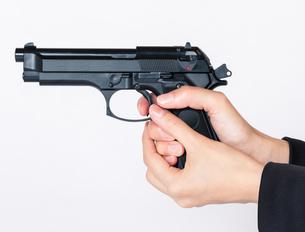 拳銃 銃の写真素材 [FYI02986115]