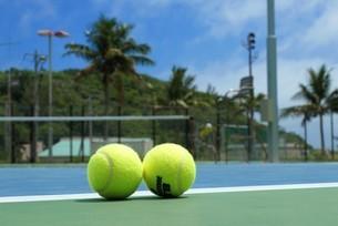 母島のテニスコートの写真素材 [FYI02986566]