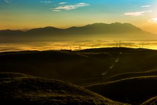 阿蘇大観望より九重連山を望むの写真素材 [FYI02986661]