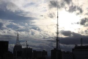 サンパウロの夏の空と雲の写真素材 [FYI02986895]