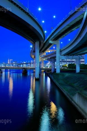 有明ジャンクションの夜景の写真素材 [FYI02987151]