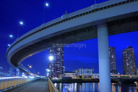 有明ジャンクションの夜景の写真素材 [FYI02987155]