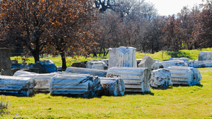 シュリーマンによって発見されたトロイ遺跡(トロイの考古遺跡として世界遺産に選定されるイリオス遺跡)の写真素材 [FYI02988377]