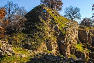 シュリーマンによって発見されたトロイ遺跡(トロイの考古遺跡として世界遺産に選定されるイリオス遺跡) の写真素材 [FYI02988379]