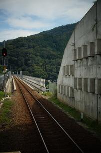 山陰本線の車窓風景(餘部駅から見た餘部鉄橋)の写真素材 [FYI02988995]