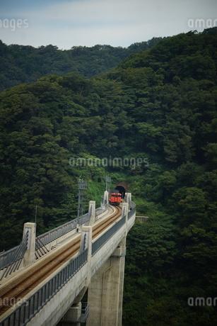 餘部鉄橋の風景(餘部トンネル)の写真素材 [FYI02989035]