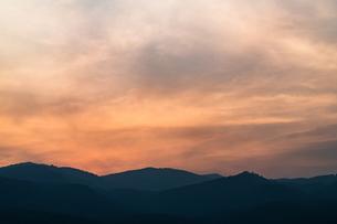 夕焼けの空の写真素材 [FYI02989142]