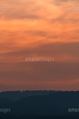夕焼けの空の写真素材 [FYI02989143]