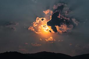 光の雲の写真素材 [FYI02989243]