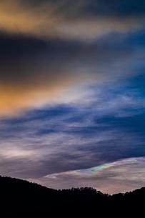 夕暮れの彩雲の写真素材 [FYI02989312]