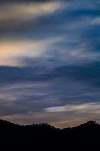 夕暮れの彩雲の写真素材 [FYI02989313]