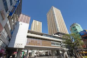 日暮里駅東口の風景の写真素材 [FYI02989689]