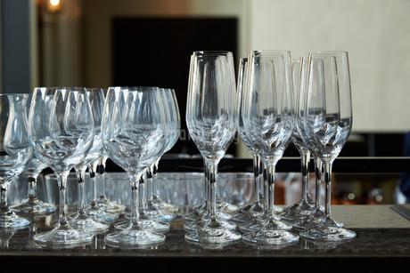 レストランのワイングラスの写真素材 [FYI02990248]