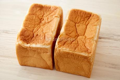 並んだブロックの食パンの写真素材 [FYI02990443]