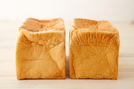 並んだブロックの食パンの写真素材 [FYI02990445]