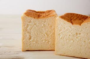 きめ細かい食パンの断面の写真素材 [FYI02990452]