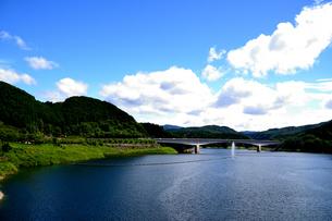 阿木川湖の写真素材 [FYI02990739]