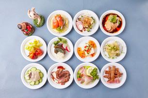 中華小皿前菜の写真素材 [FYI02990909]