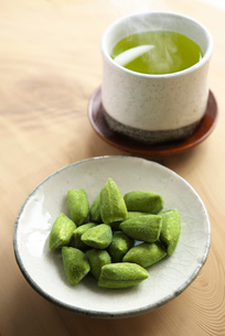 茶飴とお茶の写真素材 [FYI02991191]