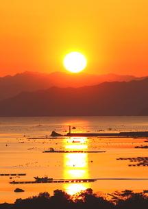三重英虞湾の夕陽の写真素材 [FYI02991282]
