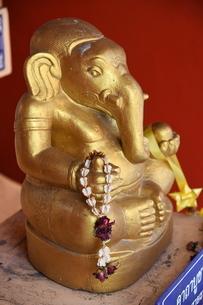 タイ寺院の象の彫刻の写真素材 [FYI02991633]