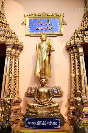 タイの寺院の仏像の写真素材 [FYI02991646]